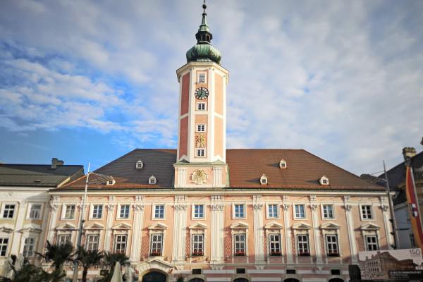 Seit Jahrhunderten ist das Rathaus der Sitz der Stadtverwaltung