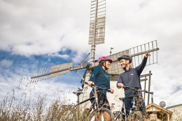 Leihen Sie sich ein eBike und entdecken Sie mehr als 400 km Themen-Radwege im Retzer Land!