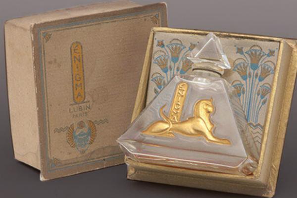 L'INFLUENCE DE L'EGYPTOMANIE DANS L'ART DE LA PARFUMERIE FRANÇAISE