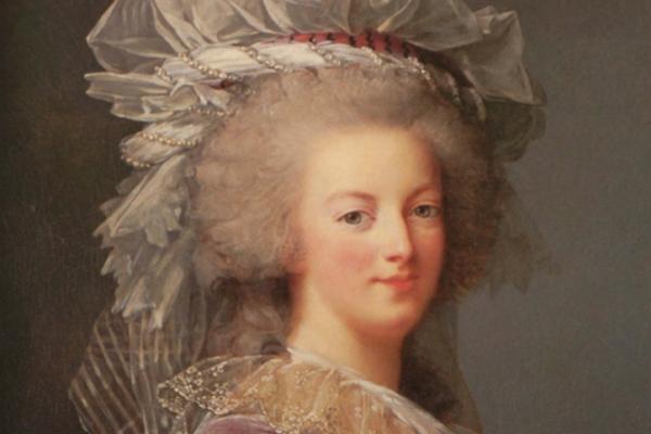 MARIE-ANTOINETTE, UNE REINE PARFUMÉE