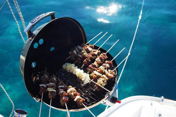 Soirée dîner sur un voilier avec Amc event
