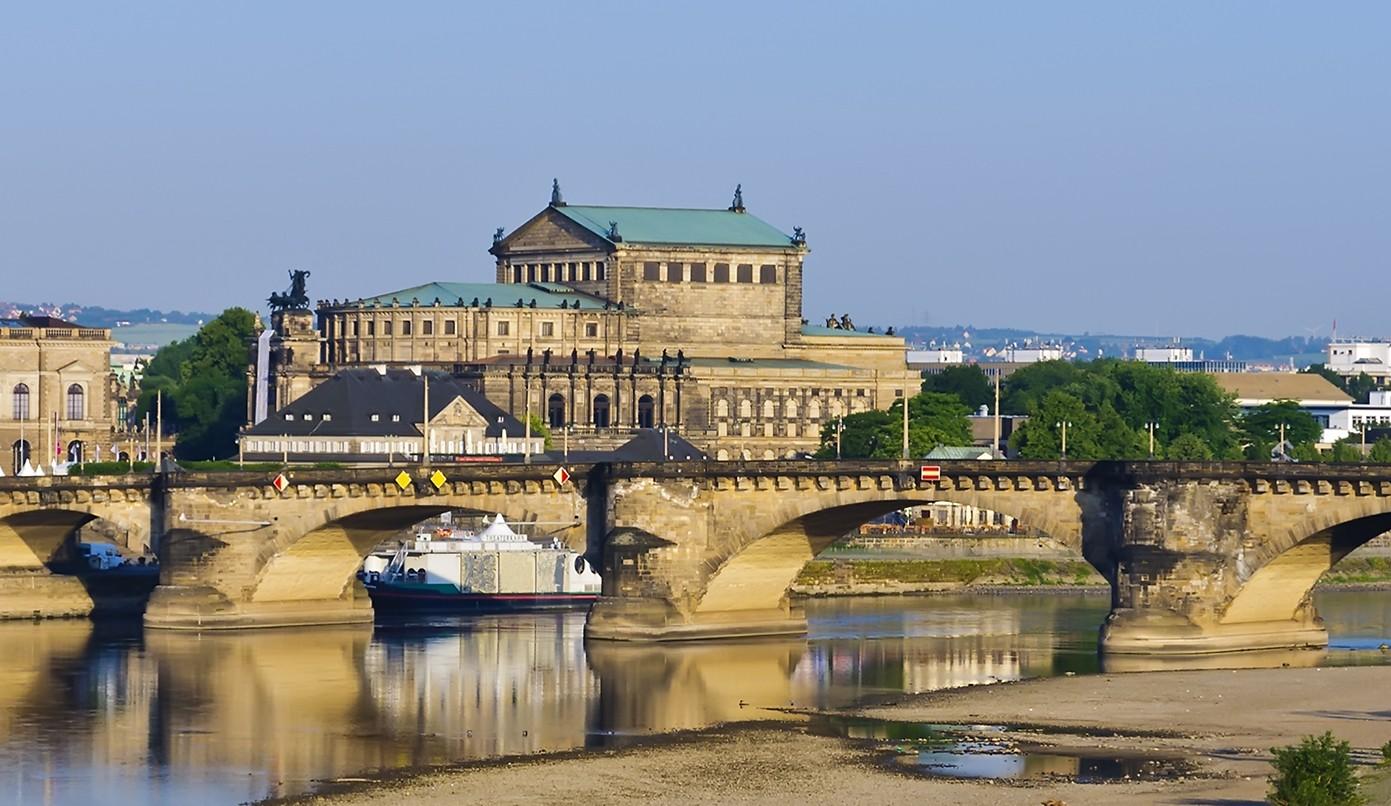 Sächsische Schweiz - Rundfahrt mit dem Sportboot Dresden