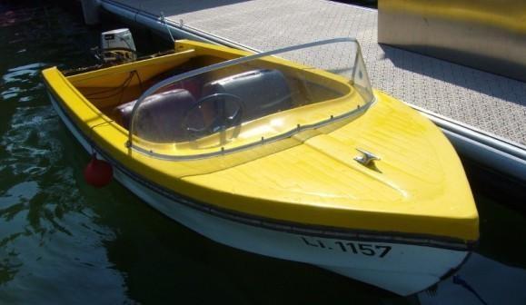 Motorboot fahren auf dem Bodensee in Lindau