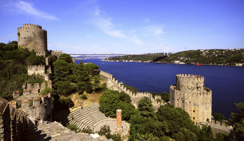 Schiffsfahrten Kreuzfahrten und Bootsverleih in Istanbul ✔