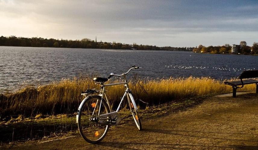 Fahrradtour entlang der Alster in Hamburg