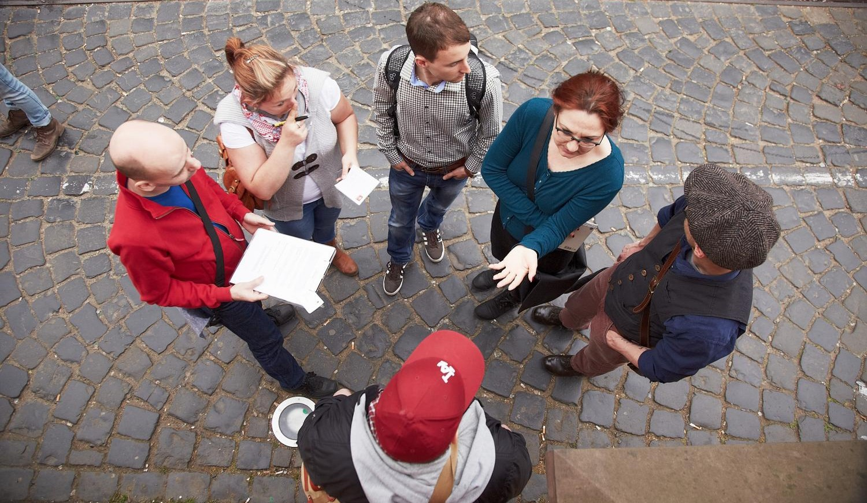 Krimi-Spiel an der alten Oper in Frankfurt am Main