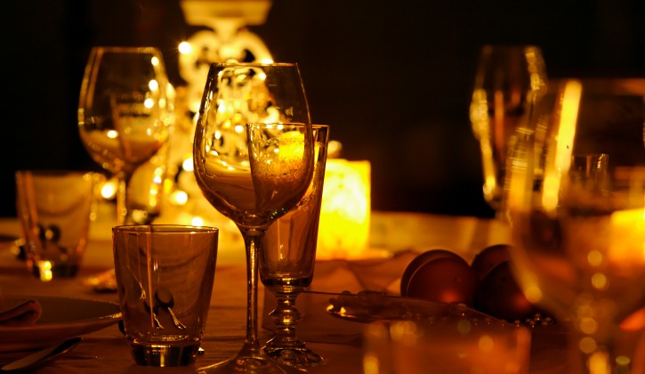 Candle-Light-Dinner