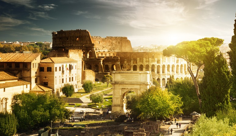 Colosseum and Ancient City: Private Walking Tour of Rome
