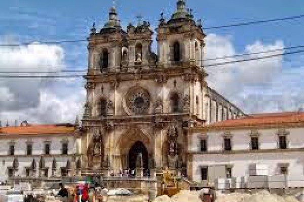 Obidos Nazaré Alcobaça Batalha Tour Lissabon
