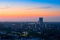 Die Stadt Bonn aus der Vogelperspektive im Sonnenuntergang
